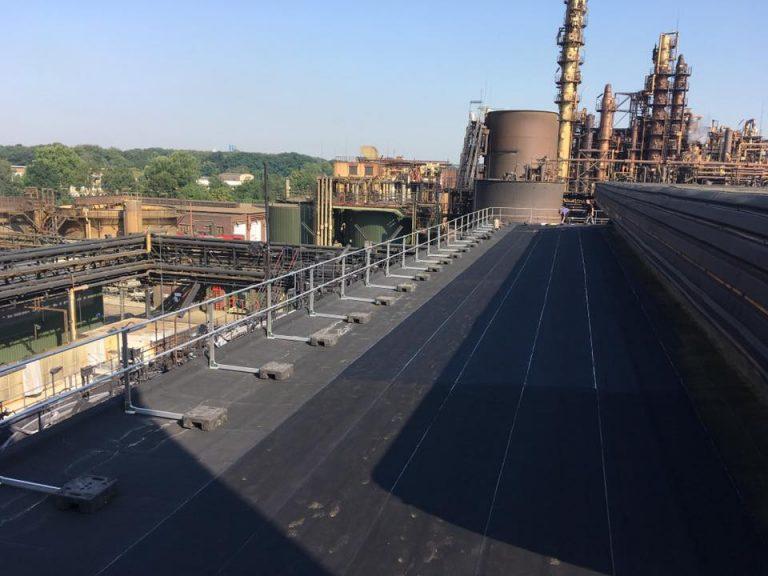 stöffges_Flachdachsanierung mit EPDM Bahn und Absturzsicherung